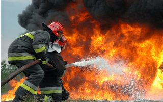 firefighters-put-out-large-fire-at-rendi-roma-camp