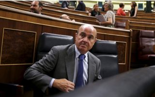 spain-amp-8217-s-guindos-sees-execution-risks-in-greece
