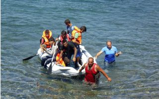 constant-flow-of-refugees-proves-overwhelming-for-aegean-islands
