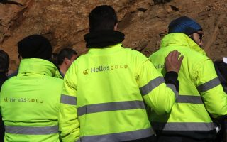 halkidiki-miners-stage-protests-after-order-to-leave-sites