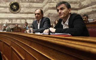 greek-parliament-approves-third-bailout-but-syriza-rebellion-grows