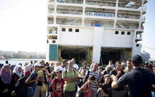 syrian-refugee-ship-arrives-on-greek-mainland-migrants-move-on