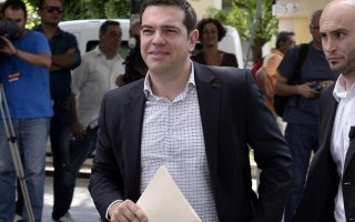 tsipras-to-meet-key-advisers-before-making-decision-on-snap-elections