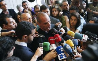 varoufakis-not-running-in-snap-elections-wants-to-create-european-network0