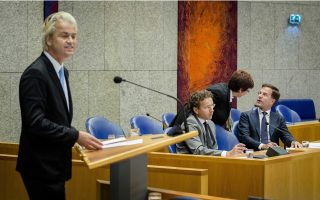 dutch-government-faces-test-in-amp-8216-junkie-amp-8217-greece-debate