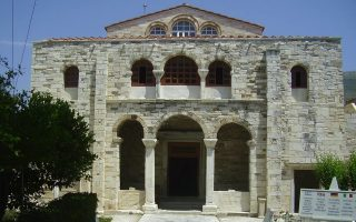 police-on-paros-nab-man-suspected-of-church-monastery-robberies