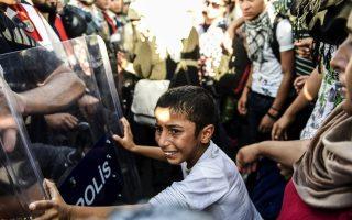 refugees-blocked-in-turkey-inch-towards-greek-border