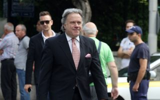 labor-minister-sees-pension-cuts