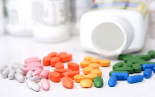 minister-to-push-through-lower-prices-for-medicines