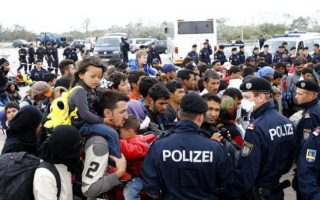 border-free-europe-unravels-in-migrant-crisis