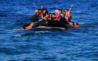 ten-refugees-drown-off-farmakonisi-dozens-rescued