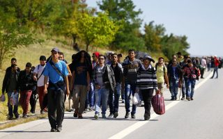 refugees-may-become-trapped-in-greece-minister-fears