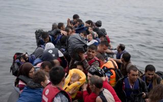 more-than-1-000-refugees-rescued-in-a-single-day-greek-coast-guard-says