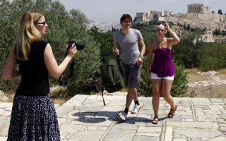 athens-draws-25-percent-more-tourists-this-year