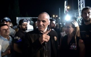 varoufakis-turns-on-tsipras-and-syriza-during-vote