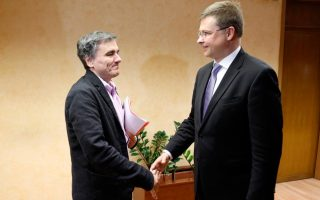 dombrovskis-sees-greek-willingness-to-overcome-differences-on-foreclosures-law