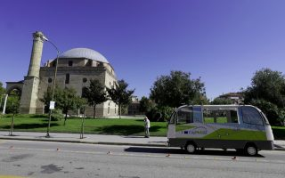 greek-town-glimpses-mass-transit-future-driverless-buses