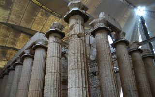 temple-of-apollo-epicurius-left-without-guards-to-close-on-weekends0