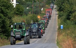 greek-farmers-rev-up-tractors-for-tax-protests
