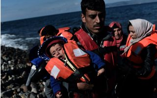 coast-guard-seeks-dozens-of-migrants-off-lesvos-after-wreck