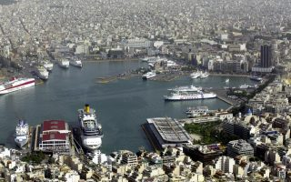 piraeus-port-sale-to-be-delayed-a-few-weeks
