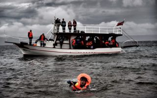 greece-sees-record-48-000-arrivals-in-past-five-days-says-iom