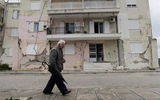 deadly-lefkada-quake-also-damages-buildings-on-cephalonia