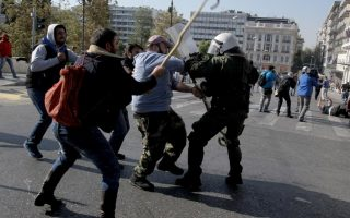 protesting-greek-farmers-clash-with-police-in-central-athens