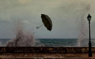 storms-gale-force-winds-expected-across-greece0