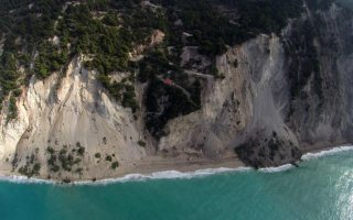 lefkada-shifts-36-centimeters-south-following-tremor