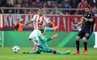 pardo-puts-olympiakos-within-a-point-of-advancing-in-champions-league0