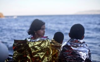 greece-rescues-1-400-from-sea-over-the-weekend