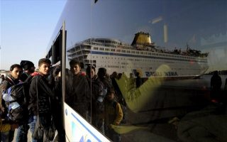 refugee-arrivals-in-greece-pick-up-again