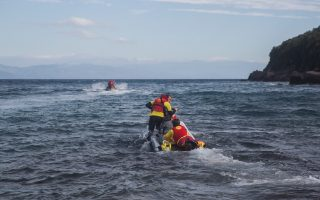 two-children-dead-after-refugee-boat-sinking