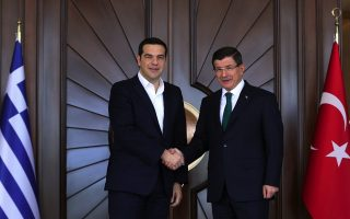 tsipras-calls-for-turkish-cooperation-in-fighting-migrant-smugglers