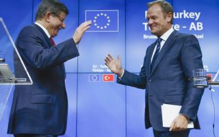 cash-visas-and-talks-key-points-of-eu-turkey-pact-on-refugees