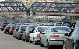 car-sales-rose-last-year-on-corporate-demand-but-not-as-fast-as-in-2014