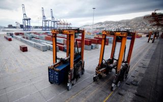 greece-to-evaluate-new-cosco-bid-for-piraeus-port-on-jan-20
