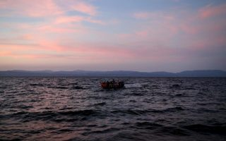 at-least-two-migrants-die-of-hypothermia-off-lesvos