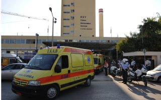 woman-and-granddaughter-attacked-with-ax-in-patra