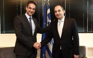mitsotakis-to-meet-karamanlis-and-samaras-after-taking-over-at-nd-helm