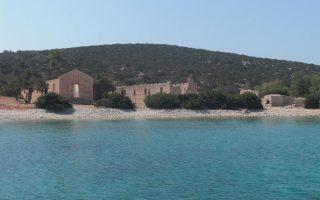 uninhabited-greek-island-to-host-survival-vacations
