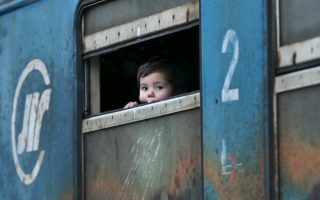 fyrom-closes-border-with-greece-to-migrants-says-police0