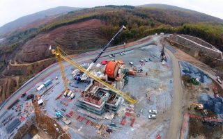 greece-says-eldorado-must-resume-mining-operations-before-talks-on-investment-can-continue
