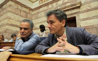 tsakalotos-says-gov-amp-8217-t-has-amp-8216-collective-amp-8217-responsibility-for-varoufakis-actions