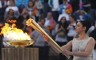 panathenaic-stadium-to-be-lit-in-green-and-yellow-for-olympic-torch-handover