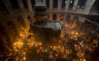 holy-fire-arrives-in-athens-from-jerusalem-ahead-of-easter-celebrations