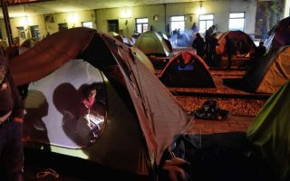 greece-warns-migrants-at-idomeni-about-spread-of-diseases