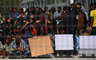 authorities-scramble-to-find-housing-for-child-refugees0