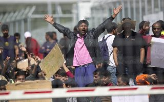 greece-postpones-return-of-next-group-of-migrants-until-friday-turkish-official-says